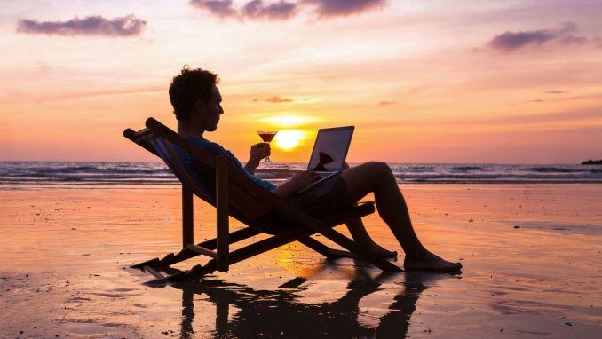 10 trabajos que te permitirán viajar y cómo conseguirlos